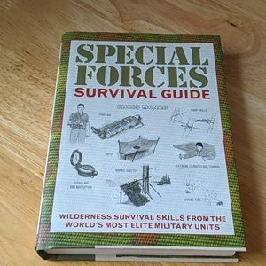 Accents - Special Forces Survival Guide Harcover
